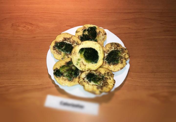 Порционный омлет с брокколи в духовке