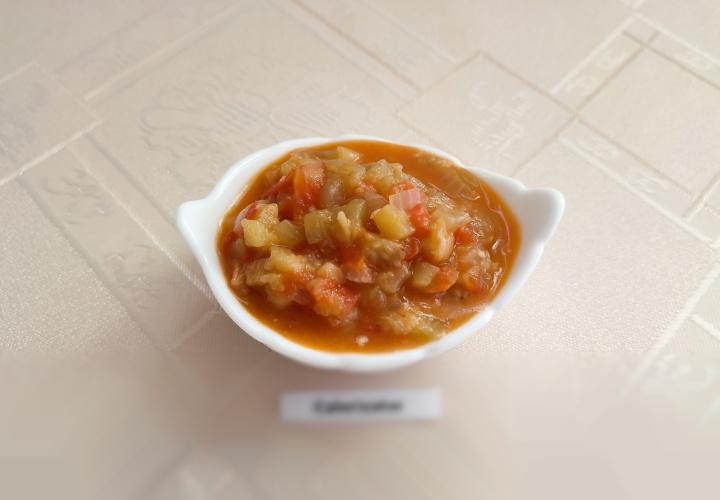 Баклажановая закуска с помидорами