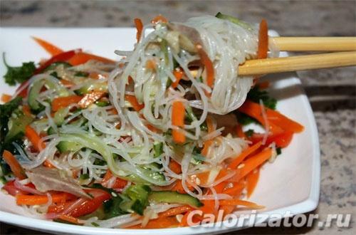 Салат с фунчозой