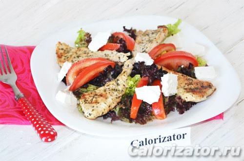 Салат с филе индейки и сыром фета