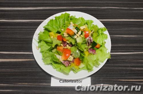 Салат с тофу и кедровыми орешками