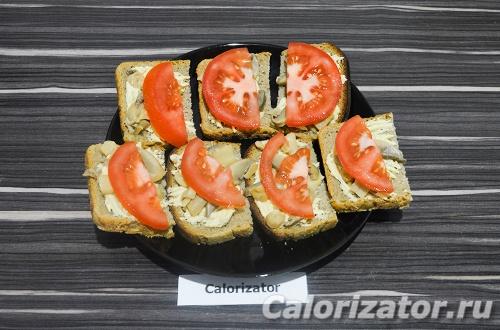 Бутерброды с хумусом и шампиньонами