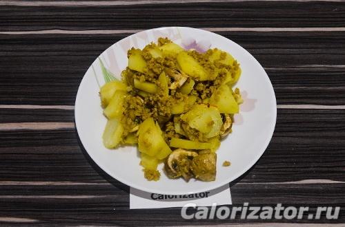 Картофель с грибами и соевым фаршем