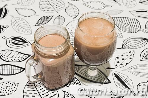 Коктейль из какао с банановым сиропом
