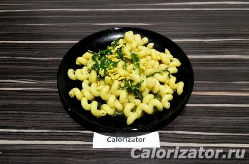 Макароны с подливкой из шпината и тофу