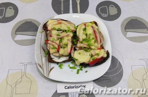 Горячие бутерброды с шампиньонами и перцем