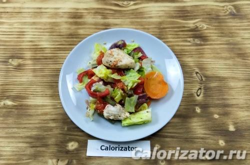Салат с курицей в духовке