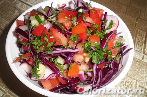 Салат овощной с маслом