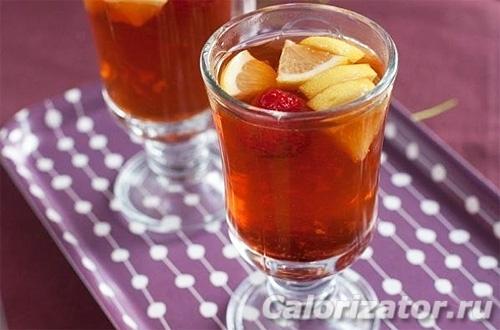 Имбирно-клубничный чай