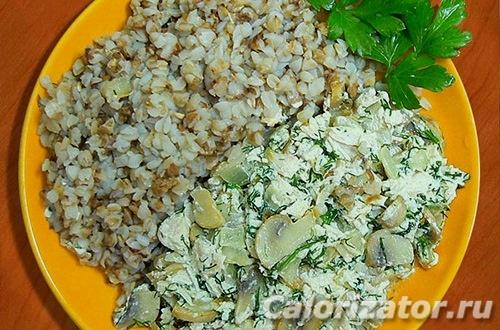 Гречка с курино-грибной заправкой - как приготовить, рецепт с фото по шагам, калорийность.