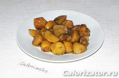 Тушеный картофель с ассорти из грибов