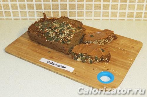 Тыквенный хлеб с арахисовой пастой