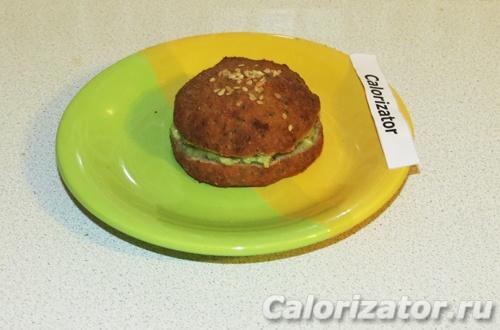 Булочка из цветной капусты с авокадо