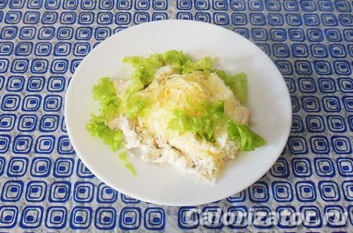Белковый салат из куриного филе