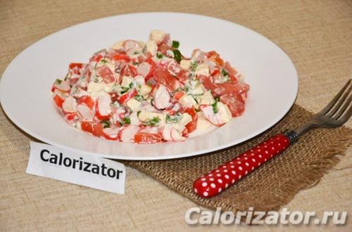 Крабовый салат с томатами