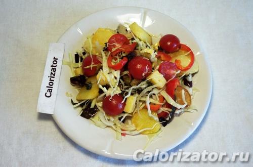 Салат с баклажаном и черри