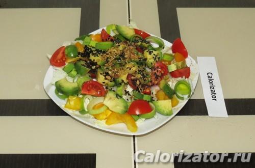 Салат с авокадо и кунжутом