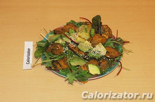 Салат с бататом и авокадо