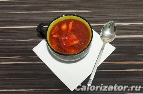 Свекольный суп с кислой капустой