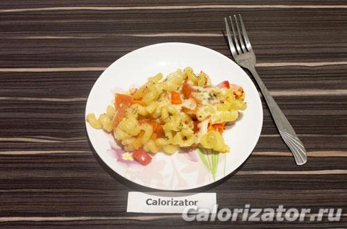 Макароны запеченные с овощами и сыром
