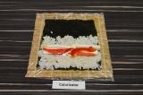 Шаг 4. Выложить перец, адыгейский сыр и сыр фета на середину риса.
