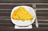 Готовое блюдо: нутовый омлет с грибами и овощами