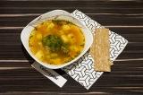 Готовое блюдо: суп с брокколи и нутом