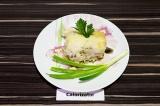 Готовое блюдо: рис с грибами в стиле жюльен