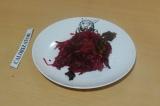 Готовое блюдо: салат с тыквой и свеклой
