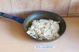 Шаг 4. Обжарить тофу в течение 7 минут.