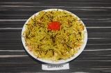 Готовое блюдо: салат с кукурузой и картофелем пай
