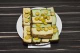 Бутерброды с тофу и оливками