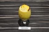 Готовое блюдо: апельсиновый фреш с кокосовым молоком