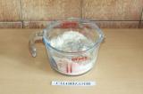 Шаг 4. Смешать сухие и жидкие ингредиенты.