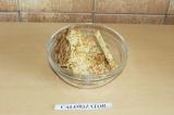 Шаг 7. Пожарить на антипригарной сковороде с двух сторон.