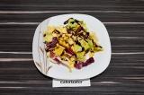 Готовое блюдо: салат из репы с медовой заправкой