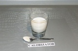 Шаг 1. Смешать агар с молоком и дать постоять минут 20.