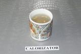 Шаг 3. Соединить воду, сироп топинамбура и сок лимона.