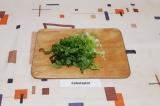 Шаг 4. Измельчить листовой салат.