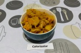 Готовое блюдо: манго-карри с соевым мясом