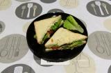 Готовое блюдо: сэндвич с фасолевым соусом