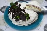 Готовое блюдо: радужный блинный торт