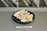Готовое блюдо: лобиани с лавашом