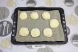Шаг 3. Слепить сырники и запечь их в духовке при 180 градусах 20 минут.