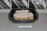 Шаг 14. Полить пудингом булочки и поставить в духовку на 30 минут при температур