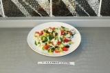 Готовое блюдо: весенний овощной салат
