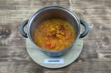 Шаг 6. Добавить сливки и пюрировать суп блендером.