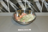 Шаг 4. Залить индейку смесью и потушить под крышкой на сковороде в течение 30 ми