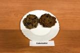 Шаг 8. Таким же образом выпечь оладьи из баклажанов.