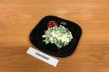 Готовое блюдо: зеленый салат с яйцом ПП